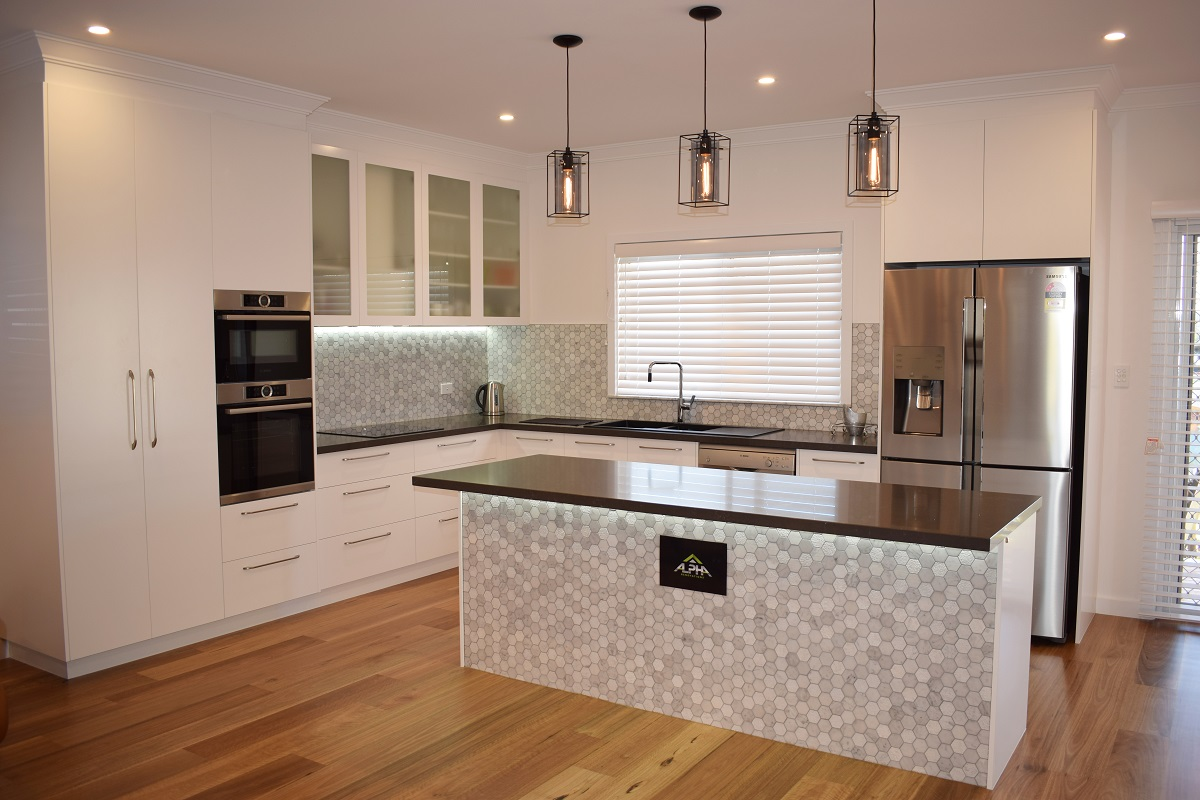 Modern white kitchen mosaic splashback